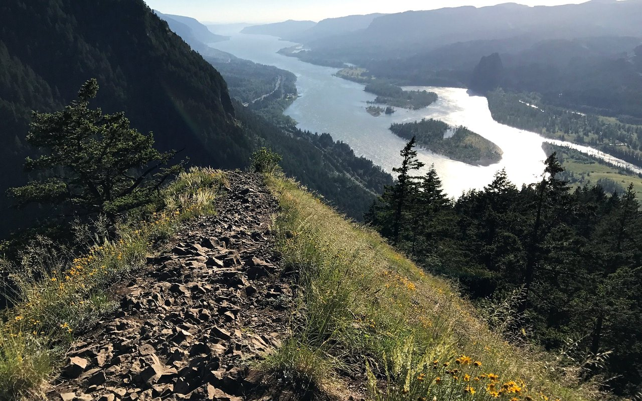 AWAYN IMAGE Munra Trail Hike & Chill