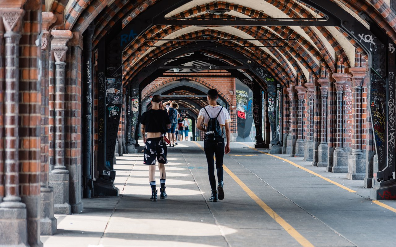 AWAYN IMAGE Photgraph the Oberbaum Bridge
