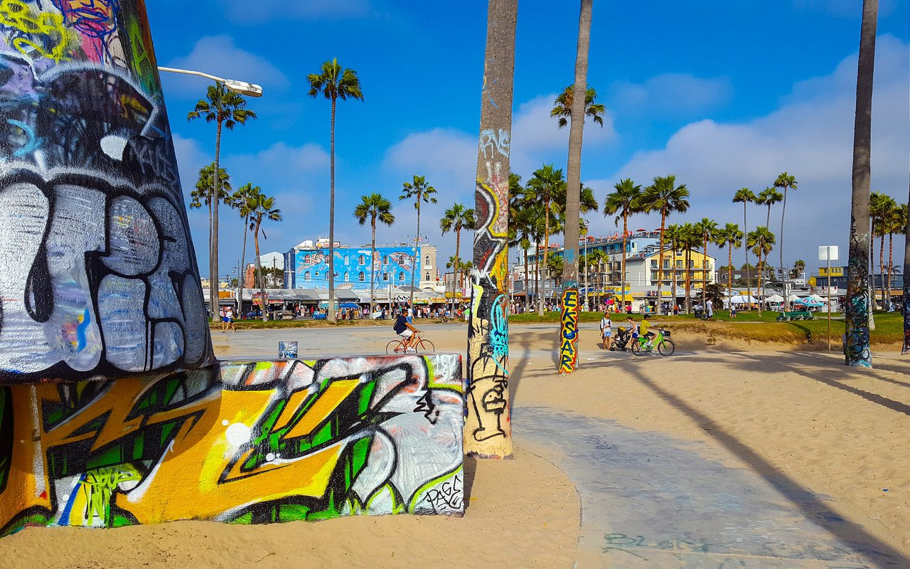 AWAYN IMAGE Venice Skate & Basketball Park