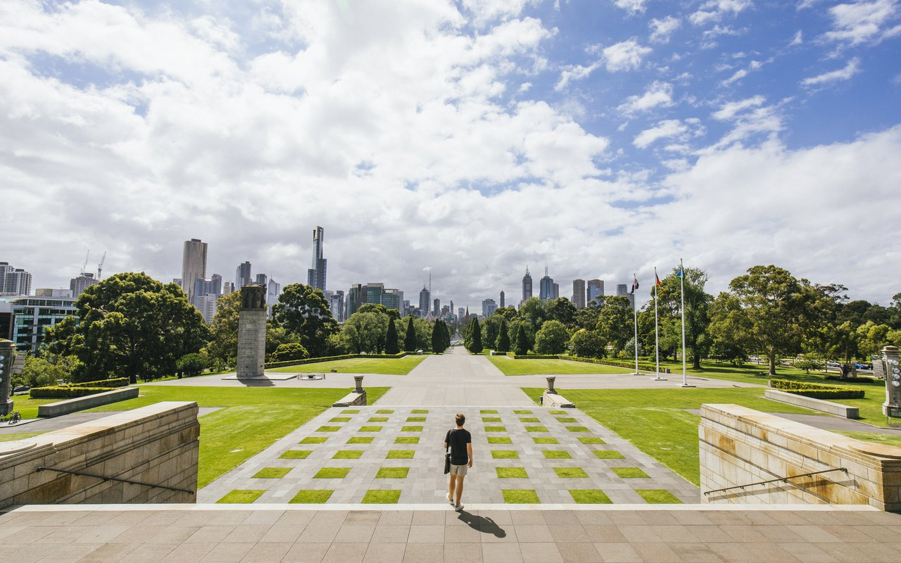 AWAYN IMAGE Shrine of Remembrance
