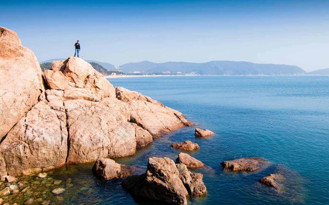 AWAYN IMAGE Discover the secrets of Sinji Myeongsasimni Beach