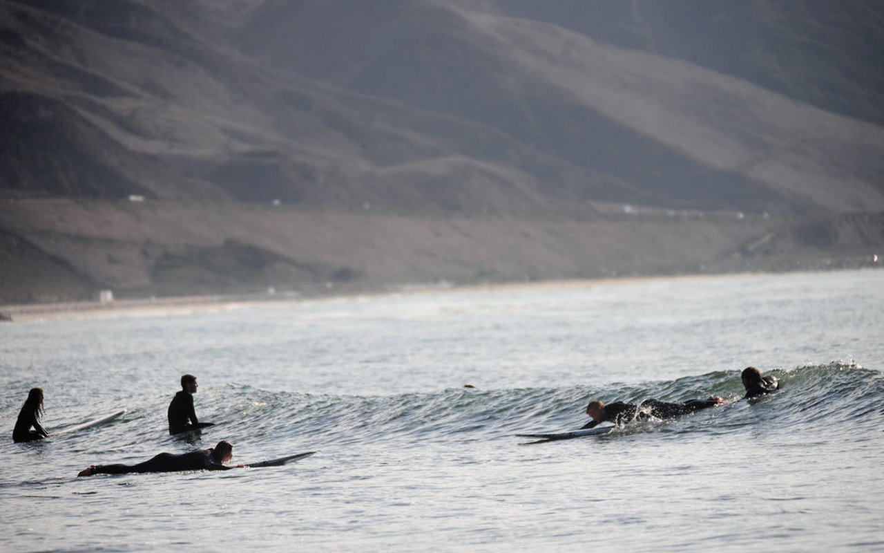AWAYN IMAGE Mondos Beach Surfing