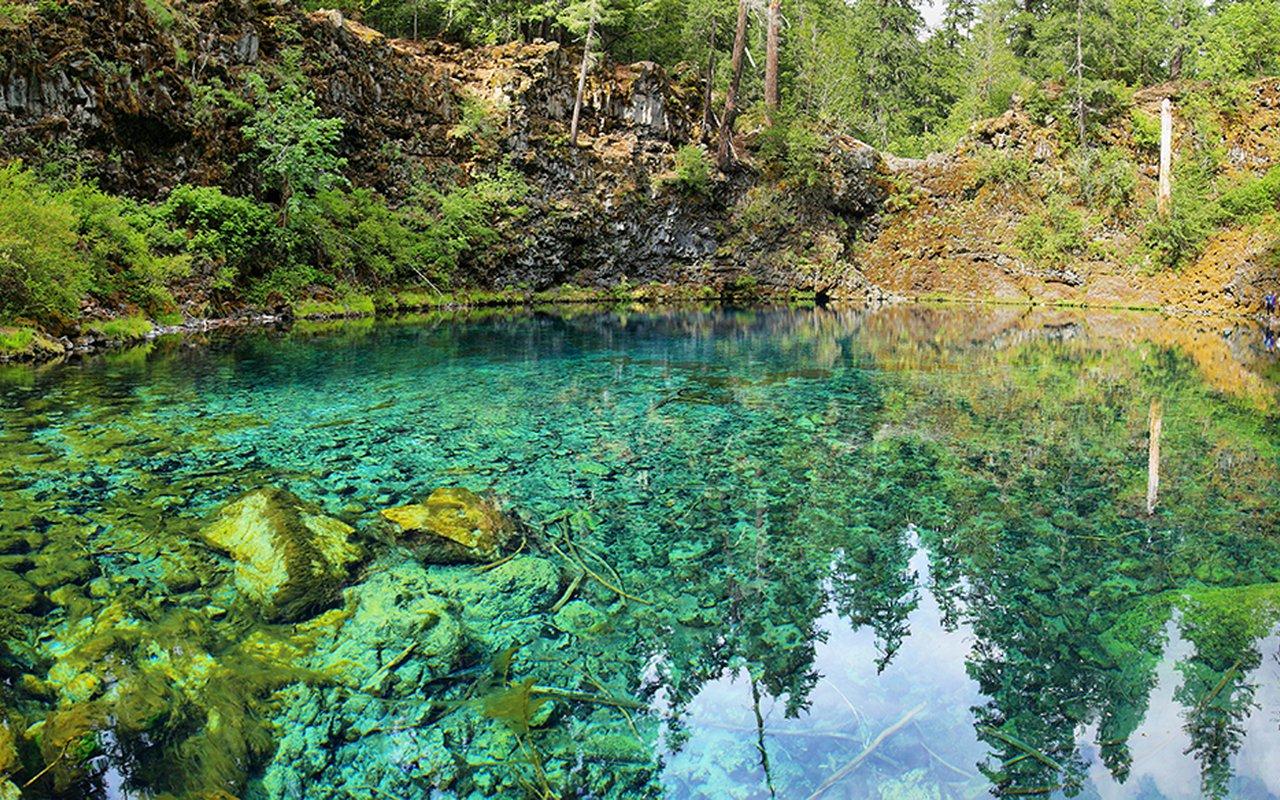 AWAYN IMAGE Hiking to the Tamolitch Pool