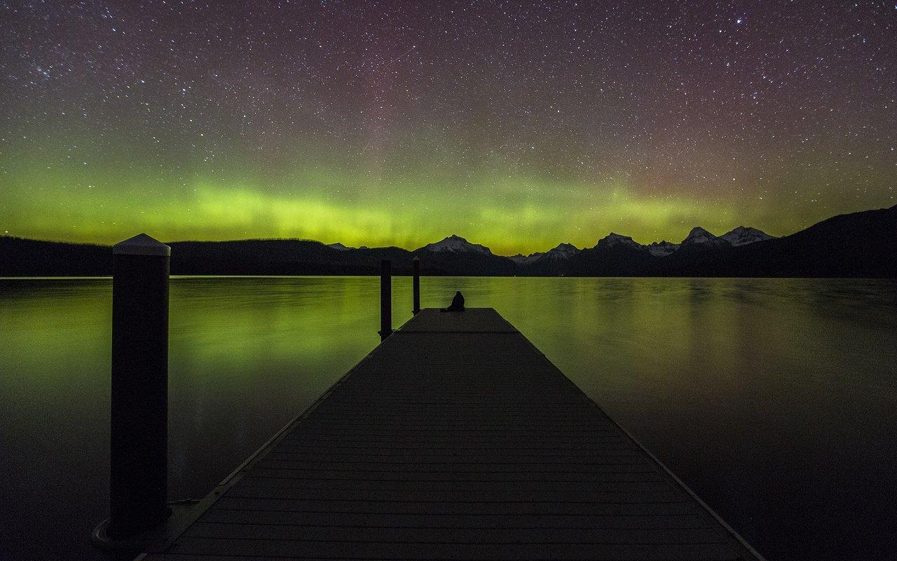 AWAYN IMAGE Watch the Northern Lights over Lake McDonald