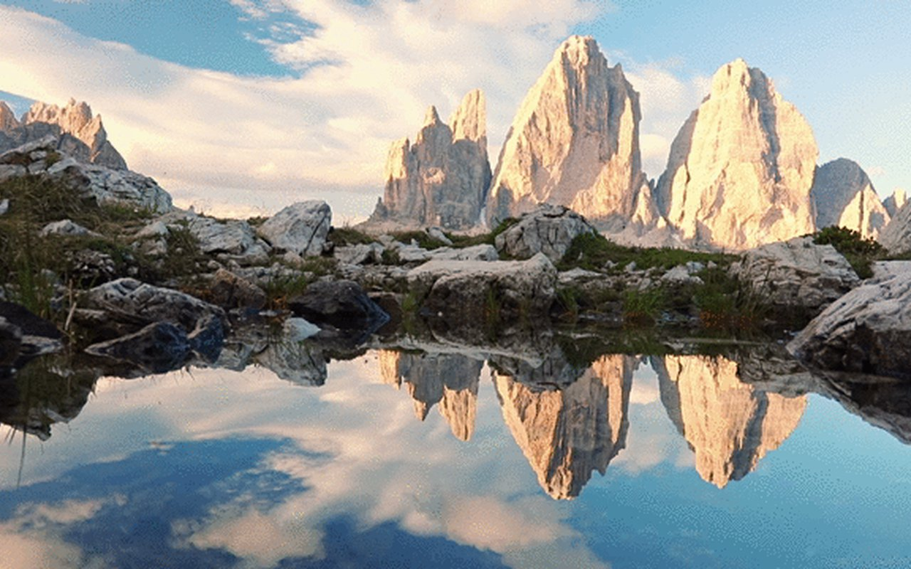 AWAYN IMAGE Photograph beauties of Tre Cime di Lavaredo