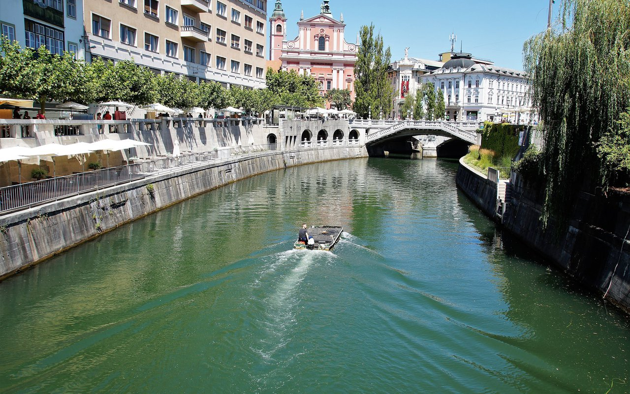 AWAYN IMAGE Walking and eventually boating at Ljubljanica