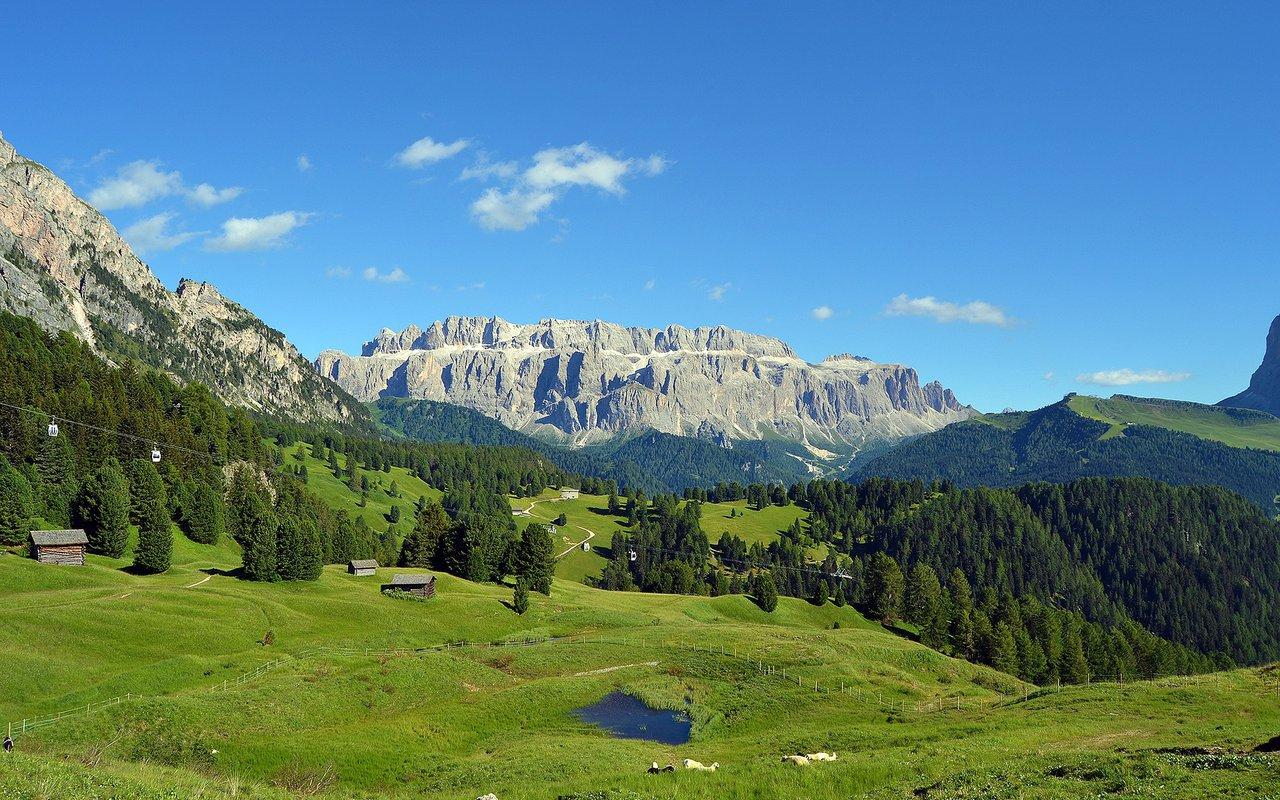 AWAYN IMAGE Skiurlaub in Wolkenstein