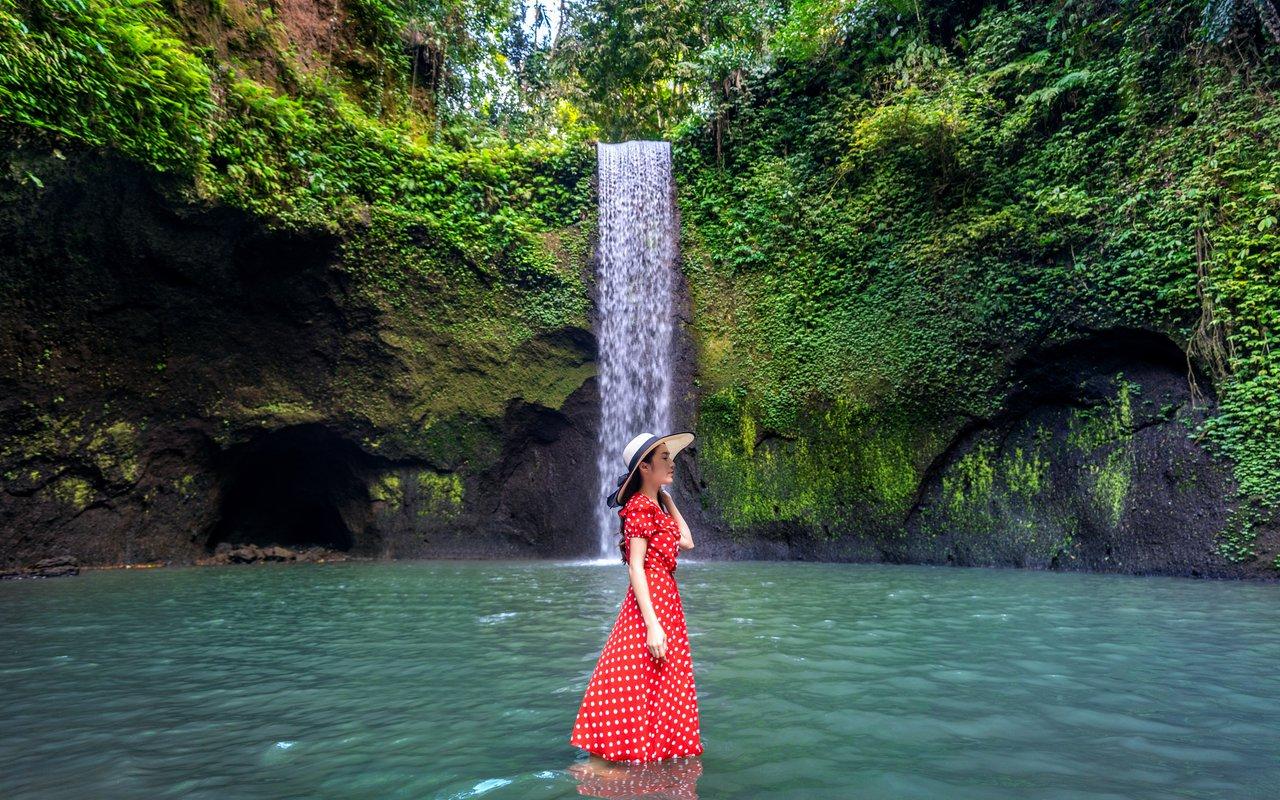 AWAYN IMAGE Explore Tibumana Waterfall (Bangli)