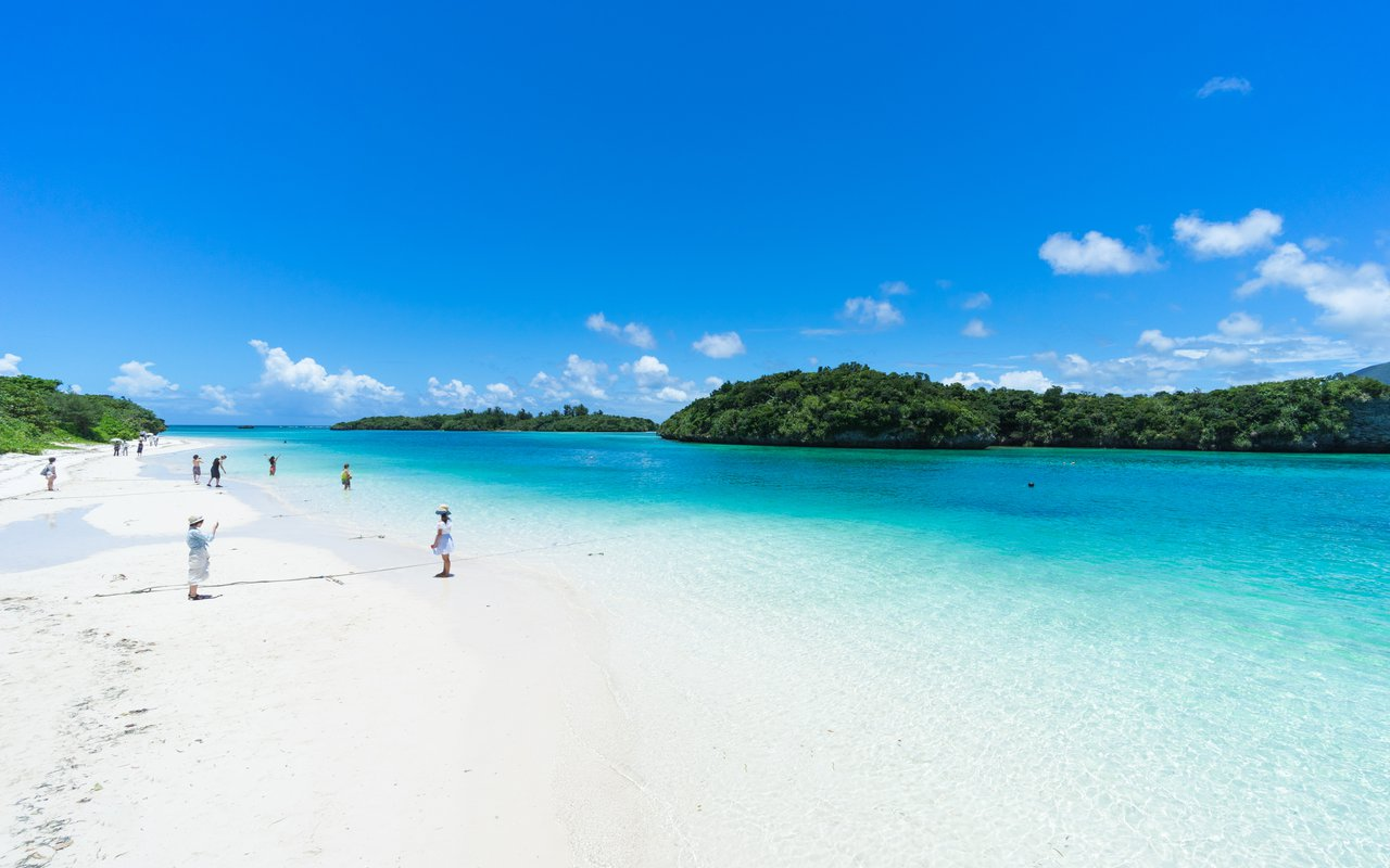 AWAYN IMAGE Photography in Kabira Bay (Ishigaki)
