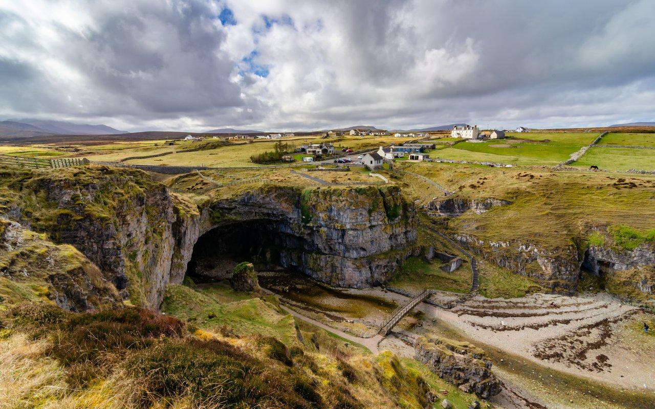 AWAYN IMAGE Smoo Cave  (Durness)